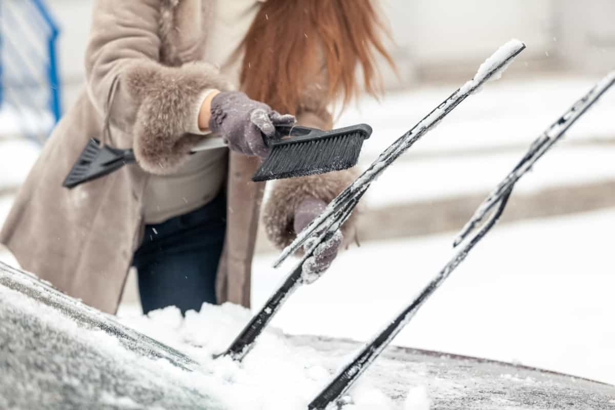 replacing car wipers for winterizing your car